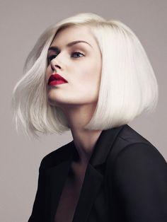 Elena Lincoln's (Mrs. Robinson) platinum blonde bob
