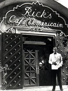 """Humphrey Bogart """"Why did you come to Casablanca Rick?"""" """"The water, I came for the """"But there are no waters in Casablanca."""" """"I was misinformed. Humphrey Bogart, Golden Age Of Hollywood, Classic Hollywood, Old Hollywood, Hollywood Tonight, Hollywood Icons, Hollywood Stars, Old Movies, Great Movies"""