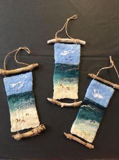 how to felt wool Felling art Wet Felting, Needle Felting Kits, Needle Felting Tutorials, Felted Wool Crafts, Felt Crafts, Deco Marine, Felt Pictures, Felt Fairy, Wool Art
