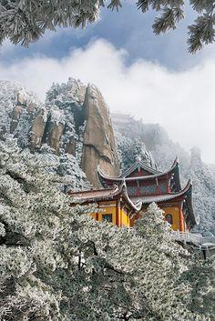 Winter in Jiuhua Shan, Anhui, China (by Konstantin Yagudin)