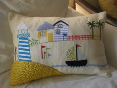 houses pillow - love the work with knit+applique+embroidery Xmas Cross Stitch, Patchwork Cushion, Cute Quilts, Sewing Pillows, Applique Patterns, Sewing A Button, Soft Furnishings, Quilt Making, Pin Cushions
