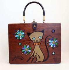Enid Collins of Texas 1964 'Sophistikit' Box Bag  height - 8 1/2 width - 11 1/8 depth - 2 3/4    #EnidCollins #BoxBag #SiameseCat