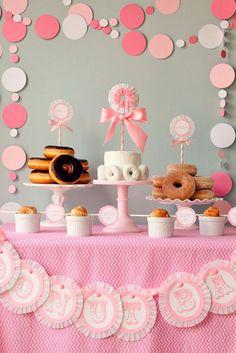 Decoración Baby Showre para niña donuts