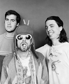 Krist Novoselic, Kurt Cobain and Dave Grohl - July 1993 Dave Grohl, Pat Smear, Playlists, Aberdeen, Banda Nirvana, Fred Instagram, Foo Fighters Nirvana, Donald Cobain, Nirvana Kurt Cobain