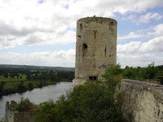 Tour du moulin chateau de  Chinon  -  Indre-et-Loire