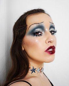 Looking for for ideas for your Halloween make-up? Navigate here for unique Halloween makeup looks. Drag Makeup, Clown Makeup, Costume Makeup, Makeup Art, Eye Makeup, 1920 Makeup, Flapper Makeup, Mask Makeup, Makeup Trends