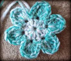 Easy Six Petal Flower - Free Pattern @ Zooty Owl ❁ Unique Crochet, Love Crochet, Crochet Motif, Crochet Appliques, Yarn Flowers, Knitted Flowers, Send Flowers, Crochet Crafts, Crochet Projects