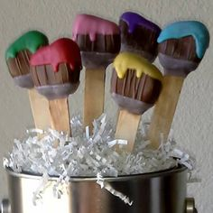 Paint Brush cake pop. These make great party favors or a great addition to art, paint, or craft