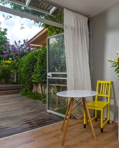 A view from the office to the backyard. By Liat Hadas, Architecture & Design.