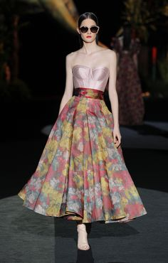 Fashion Week, Fashion 2020, Fashion Show, Fashion Looks, Wedding Outfits For Women, Summer Wedding Outfits, Lovely Dresses, Elegant Dresses, Beautiful Outfits