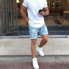 Men casual styles 292452569536460397 - City style // mens short // sun glasses // mens fashion // weekend style // urban men // urban style // watches // mens accessories // Source by meninsuit Mode Masculine, Mode Outfits, Short Outfits, Trendy Outfits, Fashionable Outfits, Girl Outfits, Casual Shorts Outfit, Dress Casual, Streetwear