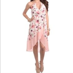 Romantic Floral Dress Brand new. This gorgeous floral dress will make the perfect addition to your wardrobe. Dresses