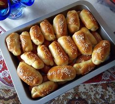 Hot Dog Buns, Hot Dogs, Pizza Pastry, Greek Recipes, Pretzel Bites, Finger Foods, Recipies, Food And Drink, Sweets