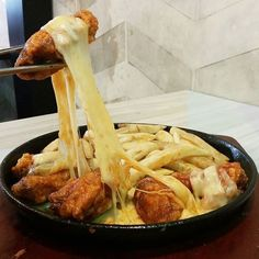 Spicy Chicken Wings with Cheese  Shared By: @eldayanipratiwi