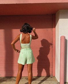Shadow play with @styledbyflo :: wearing the 'Possible Short' + 'Relaunch Knit Top' in Citron :: Soak up the sun, its just what we need Look Short, Shadow Play, Ootd Fashion, Linen Fabric, Classic Style, Natural Hair Styles, Short Dresses, Cute Outfits, Two Piece Skirt Set