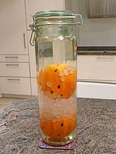 Orangenlikör, ein tolles Rezept aus der Kategorie Likör. Bewertungen: 46. Durchschnitt: Ø 4,3.