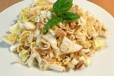 Yum Yum – Salat – Kolay yemekler – The Most Practical and Easy Recipes Healthy Dinner Recipes, Great Recipes, Vegetarian Recipes, Pasta Recipes, Salad Recipes, Chicken Recipes, Yum Yum Salat, Le Diner, Salad Dressing Recipes