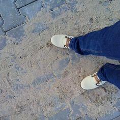 Kolejny tydzień testowania butów #cleopatra w kolorze piaskowym z brązowym wykończeniem, które przyjemnie się prezentują w mroźne dni i w każdej sytuacji. Na zdjęciu znajduje się model Cleopatra 021. Link do butów: www.hooy.eu/cleopatra-21.html