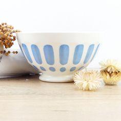 Grand bol français - bol Digoin Sarreguemines - bol bleu - bol 1930 - café au lait - grand bol à café - campagne française - Digoin par ChezUlysseVintage sur Etsy https://www.etsy.com/fr/listing/508734588/grand-bol-francais-bol-digoin