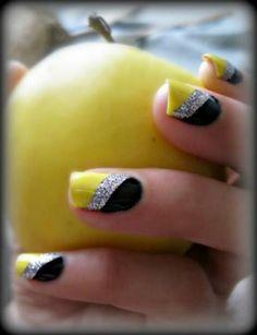 Yellow, white, bling & black nails - stunning