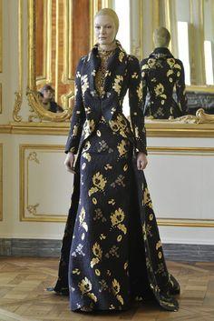 Vestido-traje de novia de inspiración decimonónica