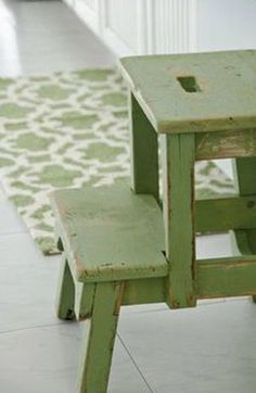 I love this little green step stool and rug. Even better, the green milk paint she used on the stool is available online and in stores. Kitchen Rug, New Kitchen, Kitchen Step Stool, Step Stools, Green Kitchen, Bar Stools, Color Of The Year 2017, Miss Mustard Seeds, Painted Cottage