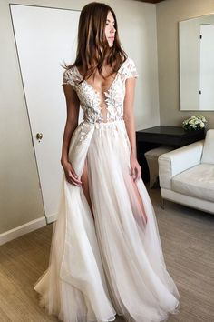A-line V-neck Ivory Tulle Floor-length Cap Sleeves Split-side Prom Dress with Appliques