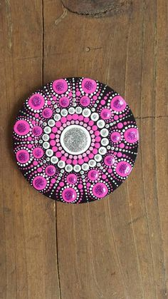 Acrylic painted wood magnet,great gift idea,home decor. Add more colours in your life or someone you love. Unforgettable and inexpensive gift. Sealed with protective sealer,not toxic. Dot Art Painting, Mandala Painting, Pebble Painting, Pebble Art, Mandala Art, Stone Painting, Mandala Doodle, Mandala Painted Rocks, Mandala Rocks