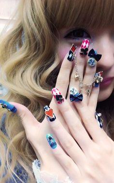 Alice in wonderland nails! :D