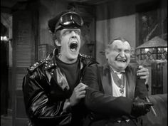 Evil Pictures, Evil Pics, Funny Pictures, Munsters Tv Show, The Munsters, Los Addams, Monster Horror Movies, Cult Movies, Old Tv