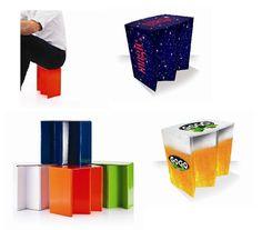 Asiento de cartón plegable y fácil de transportar.  Soporta 100kg. en www.tusregalosdeempresa.com