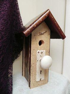 love the doorknob bird house