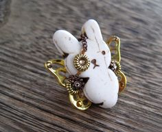 Fancy | Gold Bunnyfly Brooch