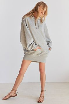 Shop the Silence + Noise Shirred Sleeve Hoodie Sweatshirt Dress and more Urban Outfitters at Urban Outfitters. Read customer reviews, discover product details and more.