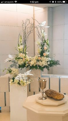 1 million+ Stunning Free Images to Use Anywhere Tropical Flower Arrangements, Flower Arrangement Designs, Funeral Flower Arrangements, Beautiful Flower Arrangements, Beautiful Flowers, Exotic Flowers, Purple Flowers, Altar Flowers, Church Flowers