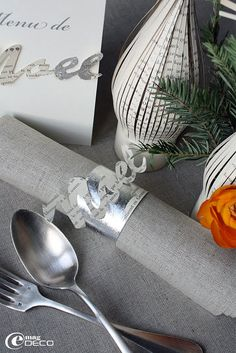 table setting for christmas
