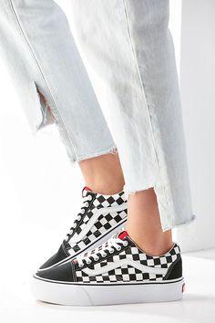 Slide View: 3: Vans & UO Old Skool Platform Sneaker