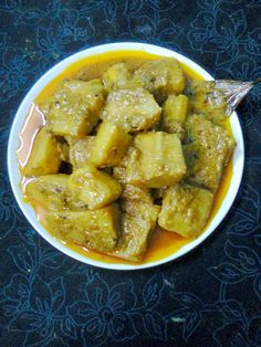 Easy Cooking and More: Healthy Veg. Banana Curry, Raw Banana, Easy Cooking, Cooking Time, Cooking Recipes, Food Dishes, Side Dishes, Food Food, Bengali Food