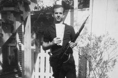 Lee Harvey Oswald es el único asesino, un hombre solitario, neurótico  y desequilibrado por motivaciones políticas y afectivas.  En esto  convino  hasta la propia viuda de Oswald