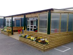 cool structures for outdoor classroom - If covered in would be a cool maker space to keep projects.