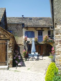 Coquelicot is converted stone farmhouse with shared pool - sleeps 6