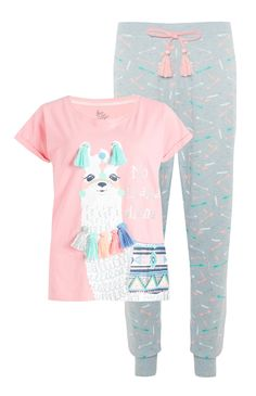 Pink-gray pajama set with llama klompi Cute Pjs, Cute Pajamas, Girls Pajamas, Pajama Outfits, Kids Outfits, Cute Outfits, Casual Outfits, Girls Fashion Clothes, Fashion Kids