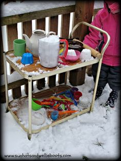 Make a snow kitchen - one of the 20 outdoor snow activities for kids. Be prepared for that snowy day when school is off and kids want to go outside and play. Outside Activities For Kids, Winter Outdoor Activities, Snow Activities, Toddler Activities, Outdoor Gifts For Kids, Nature Activities, Class Activities, Indoor Activities, Outdoor Games