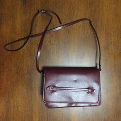Zara Mini Messenger Bag Burgundy mini messenger with adjustable shoulder strap. Worn once - Like New Zara Bags