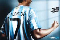 Cristiano Ronaldo com a camiseta da Argentina....