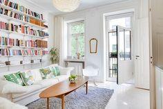 bokhylla bakom soffa - Sök på Google