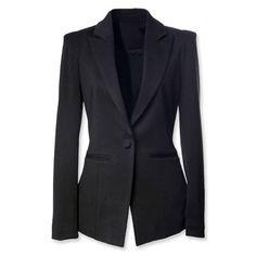 Eligiendo el Blazer ideal   El blazer es una de esas prendas básicas que no pueden faltar en nuestro armario.  Pero ¿cómo saber qué modelo debemos adquirir?  Les comparto algunos tips para que tengan en consideración al momento de elegir el Blazer Ideal; ya sea como parte de un conjunto/traje o como prenda individual.