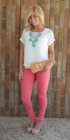 Love the pants with white top and real necklace.