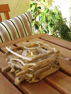 Driftwood Centerpieces | Beach Inspiration / Driftwood Centerpiece