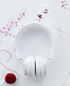 How-Tuesday: Embroidered Headphones | The Etsy Blog